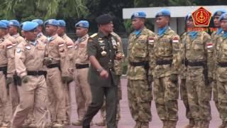 getlinkyoutube.com-Panglima TNI sambut Satgas HELI TNI Konga