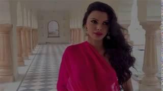 getlinkyoutube.com-Sherlyn Chopra's Love Making Scenes In Kamasutra 3D HD.