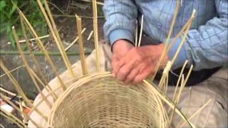 getlinkyoutube.com-奄美のテル(竹のカゴ)作り