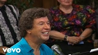 Bill & Gloria Gaither - Through It All (Live)