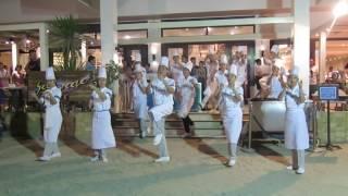getlinkyoutube.com-boracay dancing chefs
