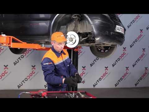 Где резинки стабилизатора у Mercedes Vaneo