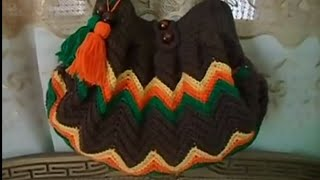 getlinkyoutube.com-شرح شنطة كروشيه بغرزة الزجزاج مع أم القمرين جزء 1 how to crochet a hand bag