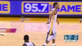 getlinkyoutube.com-Steph Curry hurts ankle MAVS @ Warriors 11-9-16