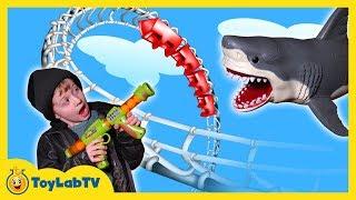 getlinkyoutube.com-Six Flags Family Fun Amusement Park & Activities for Kids & Surprise Toy Opening Kids Video