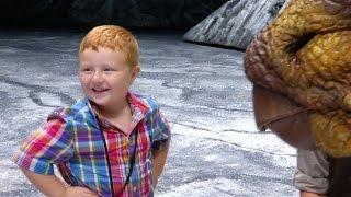 getlinkyoutube.com-Noah Ritter Walks with Dinosaurs