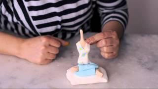 getlinkyoutube.com-Şeker hamuru ile insan modelleme(How to make figüres from sugar paste)