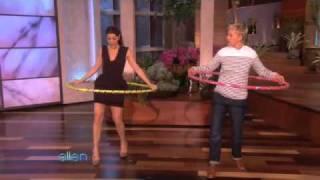 getlinkyoutube.com-Marisa Tomei Hula-Hoops Her Way to Fitness!