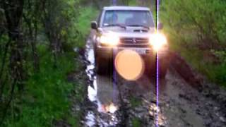 isuzu TROOPER vs GALLOPER.MOV