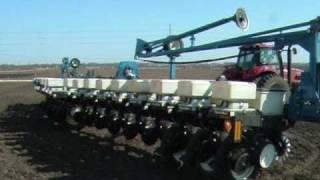 2009-Planting-corn-in-Iowa width=