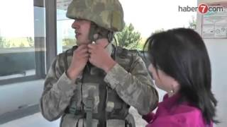 getlinkyoutube.com-Sınırda nöbet tutan askeri ağlatan Anne sürprizi