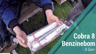 LEVENSGEVAARLIJKE VUURWERK BENZINEBOM! - Cobra 8 met 5 liter benzine...