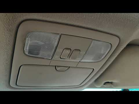 Toyota Land Cruiser плафон освещения салона