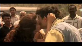 Bollywood Hot Juhi Chawla And Aamir Khan Kissing ,,,,