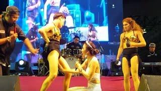 getlinkyoutube.com-สวยไม่มากแต่ท่ายากหนูเยอะ  จ๊ะ อาร์สยามอย่างฮา สนุกสนาน คอนเสิร์ตวันท้องถิ่นไทย นนทบุรี By nutty