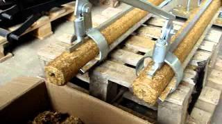 getlinkyoutube.com-Linija za briketiranje biljnih ostataka slame i kukuruzovine : 140kg/h AgroGas d.o.o.