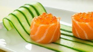 getlinkyoutube.com-Salmon Battleship Sushi filled with Salmon Roe Recipe