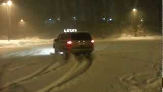 getlinkyoutube.com-Jeep Grand Cherokee ZJ 5.2L fun in the Snow