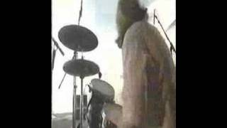getlinkyoutube.com-Dinosaur Jr. - The Wagon (reading fes.)