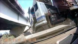 40フィートトレーラーと大激突寸前!ドライブレコーダー事故映像