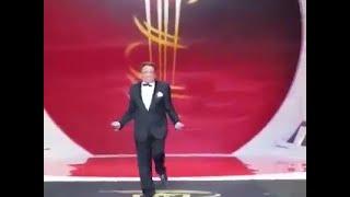 getlinkyoutube.com-عادل امام يرقص من الفرح في مهرجان مراكش الدولي