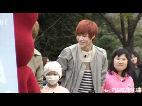110429  Taemin laughing heartily fancam @ Seoul Women's University