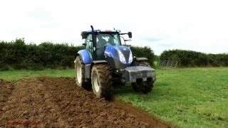 getlinkyoutube.com-Ploughing - Overum, New Holland T7.200 plus Claas Rolling!
