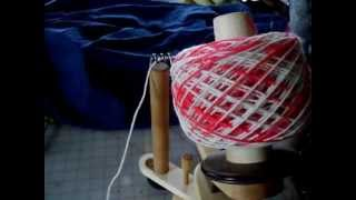 getlinkyoutube.com-trying out the Nancy's Knitknacks ball winder
