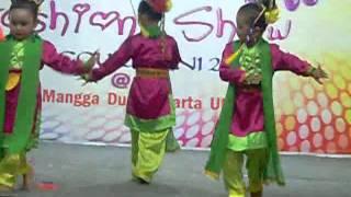 getlinkyoutube.com-TARI SIRIH KUNING : sanggar setu babakan /kembang mayang Junior