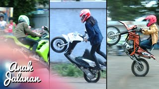 getlinkyoutube.com-Boy, Mondy Dan Tristan Adu Gaya Freestyle Motor [Anak Jalanan] [4 Januari 2016]