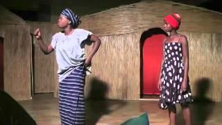 getlinkyoutube.com-Un théâtre sur les coutumes au Burkina Faso