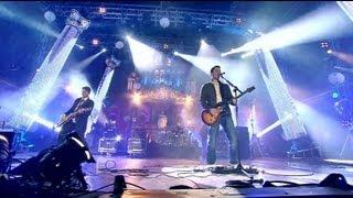 getlinkyoutube.com-Boyce Avenue - Daylight / Tonight - Live at the MTV EMAs Belfast 2011
