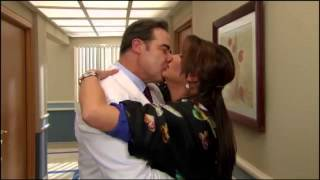getlinkyoutube.com-Victoria Ruffo & Cesar Evora • Duele Verte