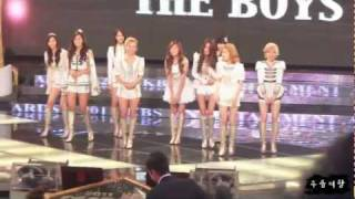 getlinkyoutube.com-[Fancam] 111224 KBS연예대상 소녀시대(SNSD) 더보이즈(The Boys)