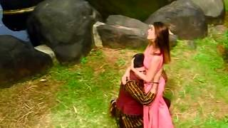 getlinkyoutube.com-Tu Jo Hans Hans Ke Sanam - Raja Bhaiya (2003) *HD* 1080p Music Video
