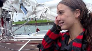getlinkyoutube.com-Interview with Laura Dekker Arriving in New Zealand