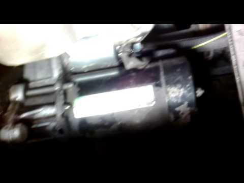 Как снять стартер- вид снизу, из под машины. Опель астра g.