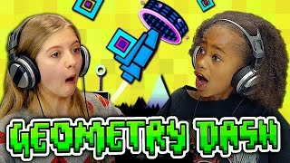 getlinkyoutube.com-KIDS PLAY GEOMETRY DASH (Kids React: Gaming)