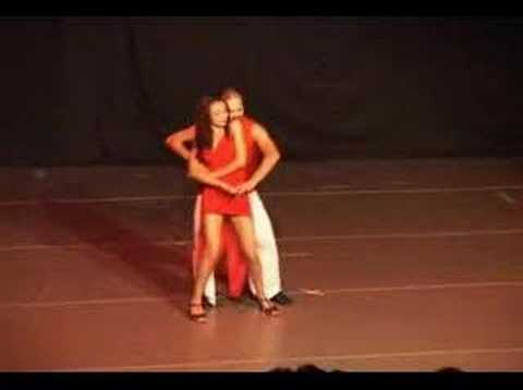 Dança - Salsa - Academia Performance