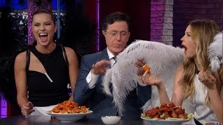 getlinkyoutube.com-The Victoria's Secret Angels Stop By For A Quick Nosh