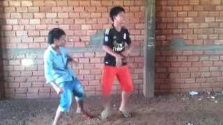 Khmer dance style remix by : dy bek 2015  OMG mix
