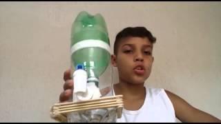 getlinkyoutube.com-Como fazer um bebedouro de garrafa Pet caseiro