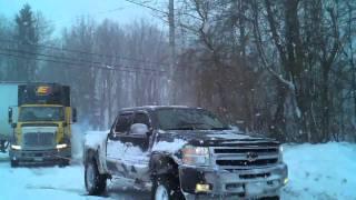 getlinkyoutube.com-Lifted Silverado Pulls 18 Wheeler