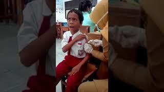 video lucu anak sekolah di suntik bikin sakit perut