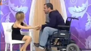 getlinkyoutube.com-Esra erol, Nurdan ile Cem evleniyor, Engelli yarışmacı