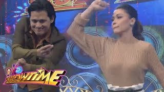 It's Showtime: Robin and Jodi takes on the