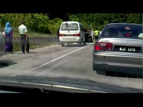 Accident at bukit tujuh pahang.mpg