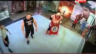 getlinkyoutube.com-الحلقة الثالثة مصارعة المحترفين رامز حول العالم 2
