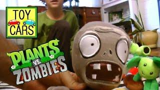 getlinkyoutube.com-Kids playing PLANTS VS ZOMBIES Plush TOYS Action FUN!!!