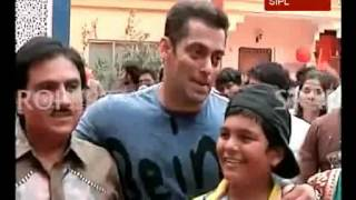 getlinkyoutube.com-Salman Khan visits set of 'Tarak Mehta Ka Ulta Chashma'